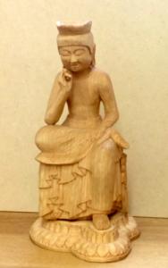 弥勒菩薩半跏像(高さ18cm)