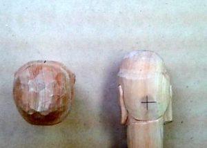 仏頭の彫り方(耳の位置を決め、お顔をさらに整える4)