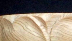 蓮弁の彫り方(突端部分に割れを入れて仕上げる)