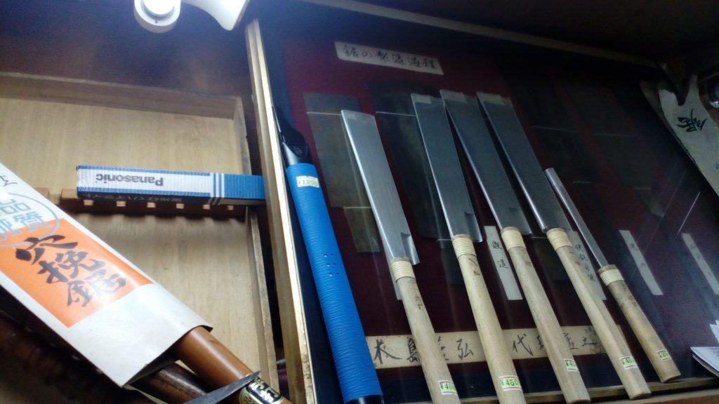 大阪日本橋 大工道具の清重商店(薄刃ののこぎり)