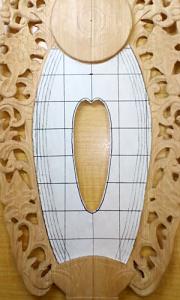 身光部の縁の方に4本の線を描く(舟形光背の彫り方)