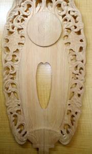 三角刀で4本の線を彫る(舟形光背の彫り方)