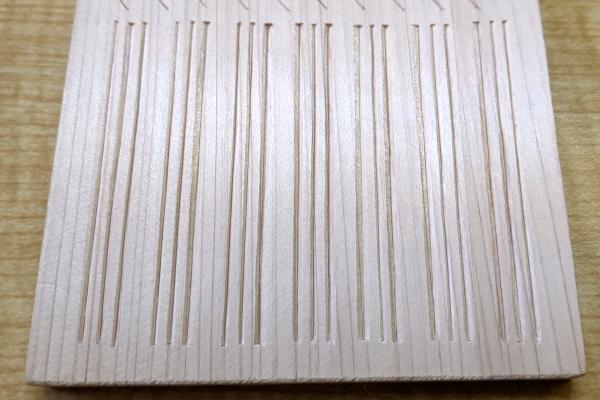 三筋立ての木彫り完成